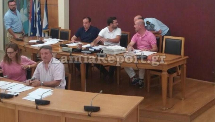 Τηλεφώνημα για βόμβα στο Δημοτικό Συμβούλιο Λαμίας -Διεκόπη η συνεδρίαση