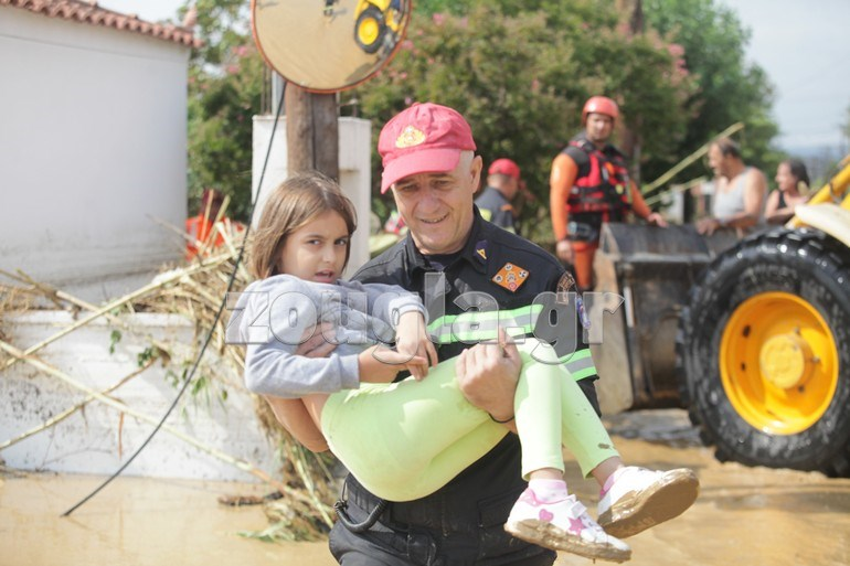 Τραγωδία στην Εύβοια: Πνιγμένο 8 μηνών βρέφος-Τέσσερις οι νεκροί[Σοκαριστικές Εικόνες]