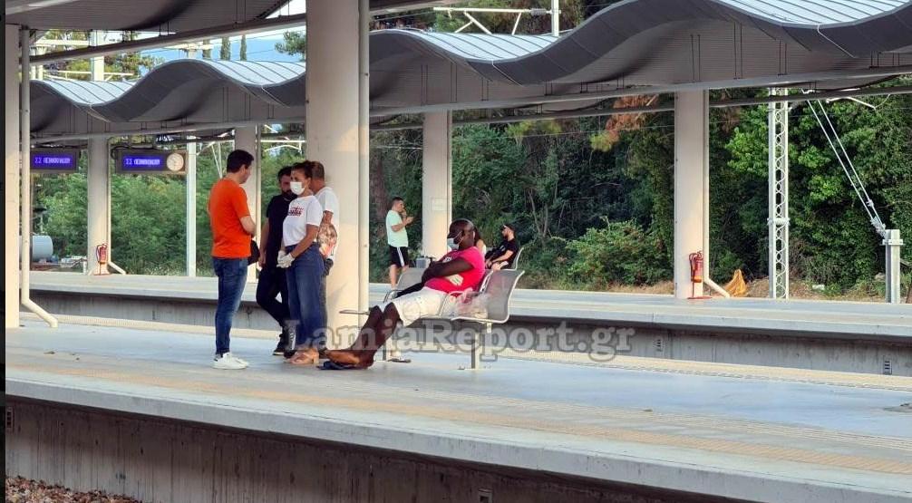 Λαμία: Τον πέταξαν έξω από το τραίνο γιατί νόμιζαν ότι είχε κορωνοϊό[video]