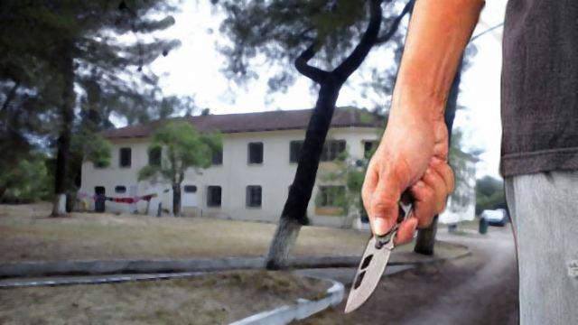 Τρόμος στο Hot Spot Θερμοπυλών: Απειλούσε με μαχαίρια