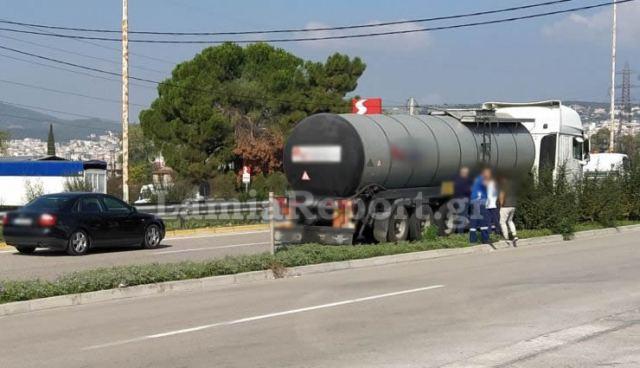 Λαμία: Αυτοκίνητο χωρίς οδηγό βγήκε στην εθνική οδό!