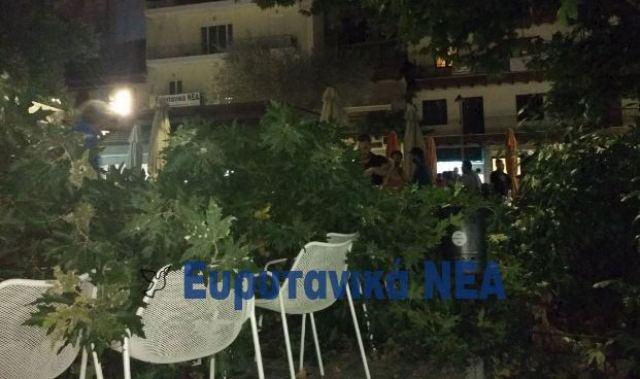 Από τύχη δεν είχαμε θύματα το βράδυ στην κεντρική πλατεία Καρπενησίου