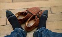 Το κόλπο για να μην μυρίζουν τα παπούτσια [vid]