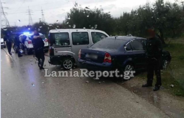Λαμία: Τροχαίο στον παράδρομο με έναν τραυματία
