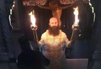 """Το Άγιο Φως αρχίζει το """"ταξίδι"""" του! Πρωτόγνωρες εικόνες στην τελετή αφής στα Ιεροσόλυμα"""