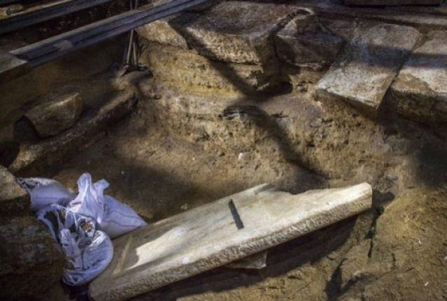 Αμφίπολη: Βρέθηκε σκάλα στον τρίτο θάλαμο του τάφου (;) - Λύνεται το αδιέξοδο, αλλά όχι το μυστήριο!