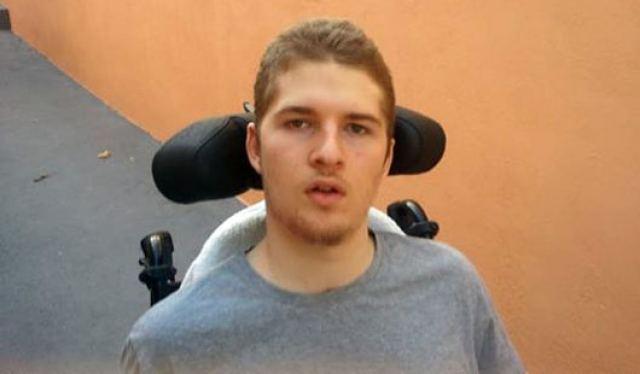 Ένας 22χρονος Λαμιώτης χρειάζεται τη βοήθειά μας!