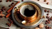 Η υπερβολική κατανάλωση καφέ σε καθημερινή βάση μπορεί να προκαλέσει πονοκεφάλους
