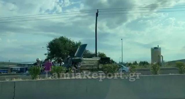 Τουμπάρισε στην εθνική οδό Αθηνών - Λαμίας (ΒΙΝΤΕΟ)