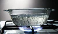 Γιατί πρέπει να ΜΗΝ βράζετε δεύτερη φορά το ήδη βρασμένο νερό!