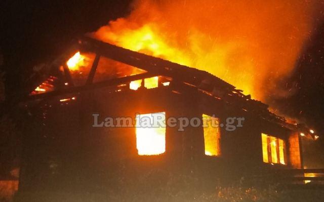 Κάηκε διώροφο σαλέ στον Επτάλοφο – Συναγερμός στην Πυροσβεστική
