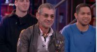 «MasterChef»: Ο Λάκης Γαβαλάς ντύνει παίκτη του ριάλιτι (vid)