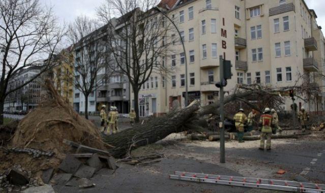 """""""Φονική"""" κακοκαιρία - Τουλάχιστον 9 νεκροί στην κεντρική Ευρώπη"""