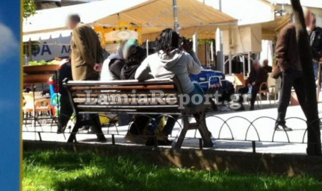 """Λαμία: Συνέλαβαν 40χρονη που έκανε """"πιάτσα"""" στην πλατεία Πάρκου"""