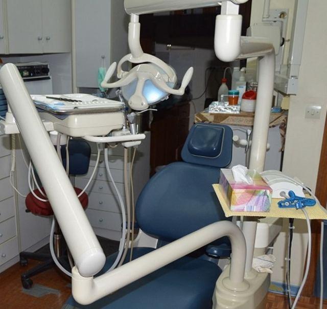 Πωλείται πλήρως εξοπλισμένο οδοντιατρείο στα Καμένα Βούρλα