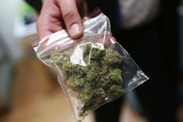 Εφτά συλλήψεις για ναρκωτικά σε Καρπενήσι, Χαλκίδα και Θήβα