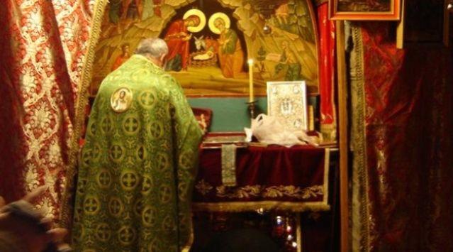 """Φθιώτιδα: Γιατί """"μπούκαρε"""" στην εκκλησία και επιτέθηκε στον παπά;"""