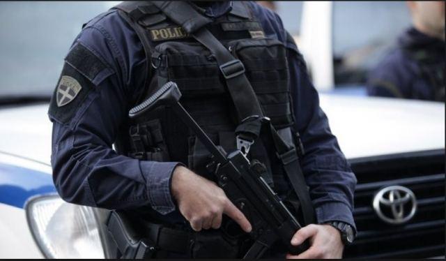 Φθιώτιδα: Με τα όπλα στα χέρια τους ακινητοποίησαν στα διόδια