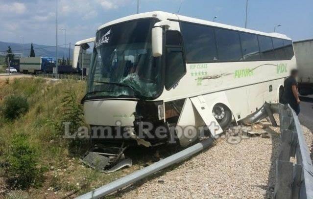 [lamiareport.gr] Τροχαίο με λεωφορείο του ΚΤΕΛ Φθιώτιδας (ΦΩΤΟ)