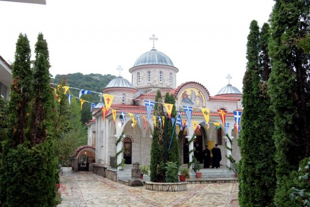 Πανηγύρε η Ιερά Μονή Αντίνιτσας