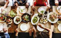 Φαγητό 527 θερμίδων τη μέρα πετάει ο μέσος άνθρωπος - Προβληματίζουν τα στοιχεία για τη σπατάλη