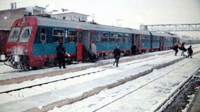 Φθιώτιδα: Ο χιονιάς εγκλώβισε τρένο με 300 επιβάτες στο Δομοκό
