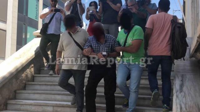 Λαμία: «Είμαι αθώος…» λέει ο δικηγόρος  που φέρεται να κακοποιούσε τα εγγόνια του (ΒΙΝΤΕΟ)